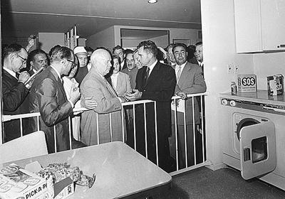 Jruschev y Nixon y el célebre debate de cocina