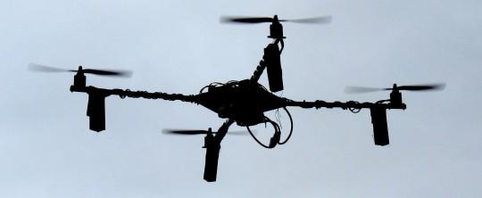 Enjambres de nano cuadricópteros autónomos