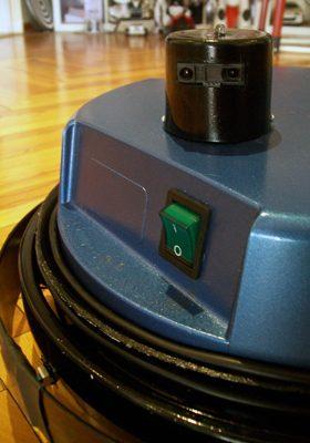 Vacuuminator, el robot aspirador hecho en casa