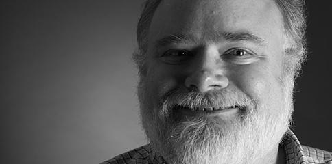 Brad Templeton comparte sus ideas sobre los humanos y robots detrás del volante