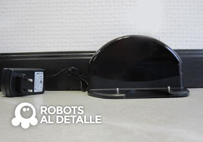 El Robot aspirador eziclean BOT Pets base de carga