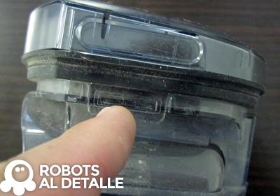 Buscamos pestaña compartimento deposito Samsung Powerbot