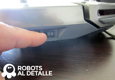 Enciende robot Hoover RoboCom3