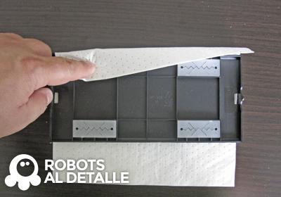 Robot aspirador Philips SmartPro colocar mopa