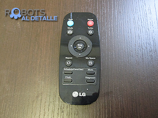 LG Hombot Square VR64702LVMB mando