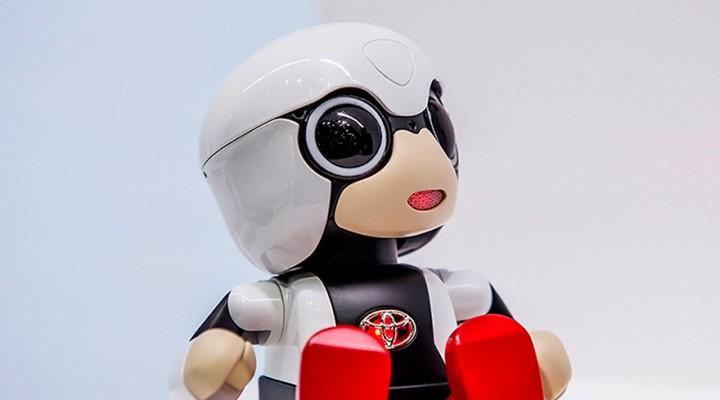 Toyota Kirobo Mini, un robot asistente en miniatura